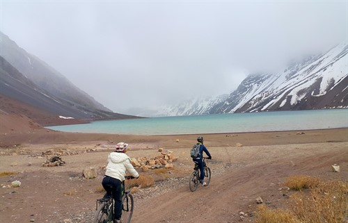 El Yeso Dam Bike Tour